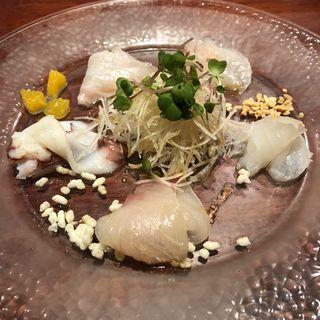 5種類の新鮮魚介カルパッチョ サラダ仕立て(魚China YO (ウオチャイナ ヨウ))