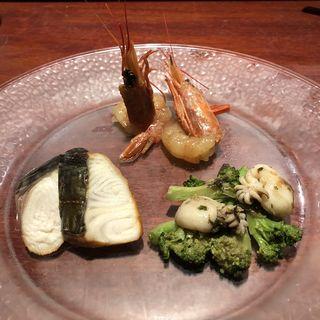 シェフのお薦め前菜盛り合わせ3種(魚China YO (ウオチャイナ ヨウ))