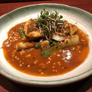真鯛の蒸し物 よだれ鶏のソース(魚China YO (ウオチャイナ ヨウ))