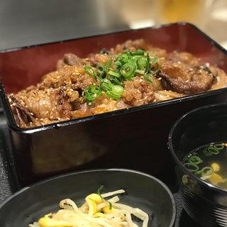 神戸牛焼肉重(神戸 牛牛)