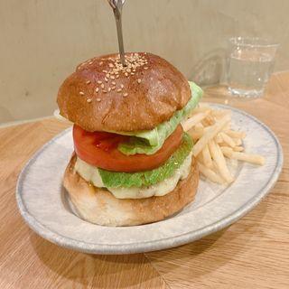 アボカドモッァツレラチーズバーガー(No.18ダイニングバー (No.18 DINING&BAR))