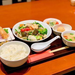 海の幸とお野菜の豆腐みそ炒め
