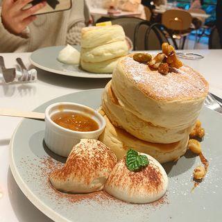 キャラメルとリンゴのパンケーキ(Micasadeco&Cafe )