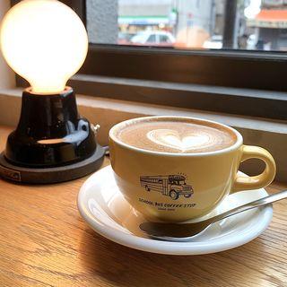 フラットホワイト(SCHOOL BUS COFFEE STOP KYOTO)