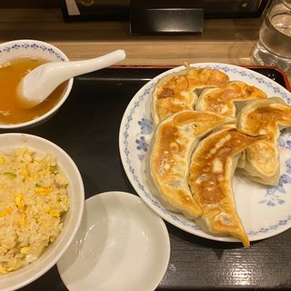 Bセット(餃子5個+半チャーハン+スープ)(開楽 本店 )
