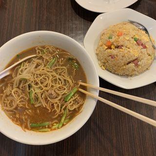 セット(台湾ラーメン&チャーハン)(大福来 (ダイフク))