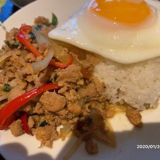 ガパオライスとグリーンカレーのセット(タイ料理 パヤオ )