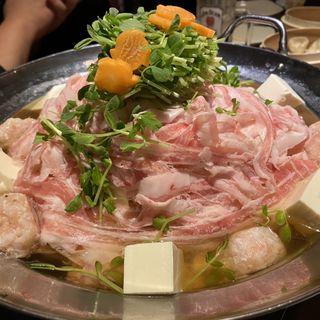 鍋(蒸屋じょうきげん)