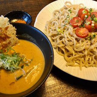 トマトと海老の豆乳クリームカレー風味つけ麺(餃子とワイン 果皮と餡)