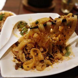 汁なし麻辣刀削麺(陳家私菜 有楽町店)