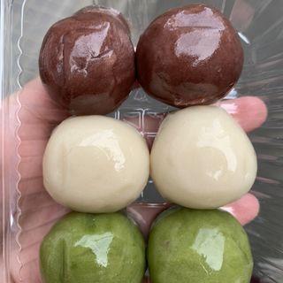 あんこ玉(だるまや餅菓子店 (だるまやもちがしてん))