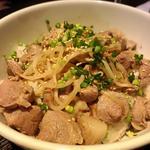 顎肉野菜炒め丼