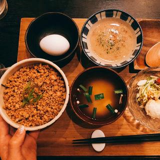 自然薯と鶏そぼろご飯(自然薯 tororo (ジネンジョ トロロ))