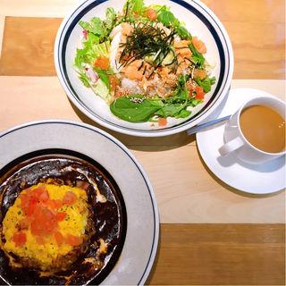 とろとろ卵のデミオムライス Omelette rice of demi-glace sauce(ハンズカフェ エトモ中央林間 )