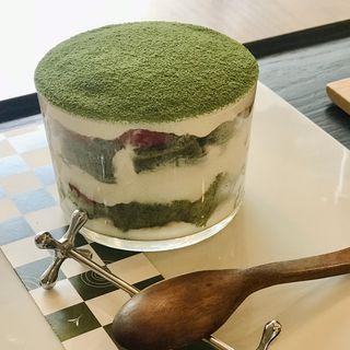 イチゴ入り抹茶のティラミス(茶茶の間 )