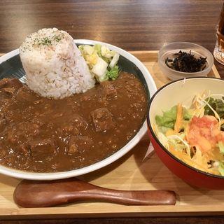 牛たんカレー(牛たんの檸檬)