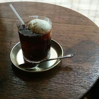 コーヒーフロート(granaryscoffeestand)