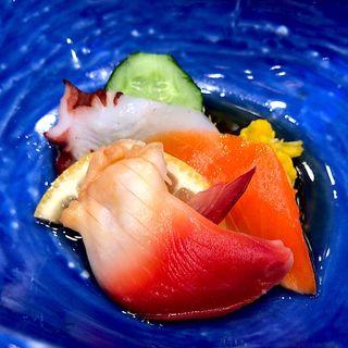 サーモン、北寄貝、焼蛸の酢の物(ホテルニュー水戸屋 )