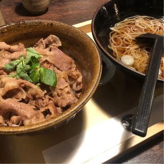 牛丼お蕎麦セット(権兵エ (ごんべえ))