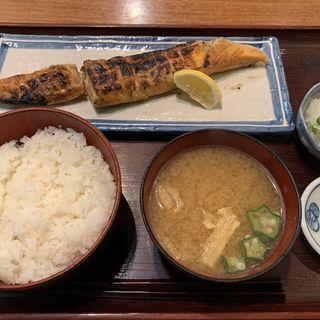 サーモンハラス干し定食(こがね屋 )