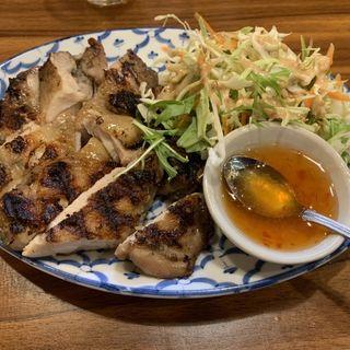 ガイヤーン(タイの鶏モモ焼き)(タイ ラック タイ )