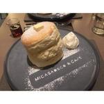 ふわふわリコッタチーズパンケーキ(ミカサデコ&カフェ神宮前)