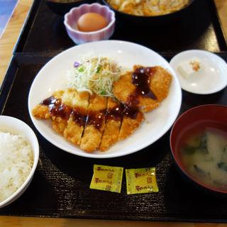 ダブルカツ定食(大衆食堂 あらたま)