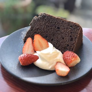 いちごとチョコレートシフォン(カフェ・ド・ラパン )