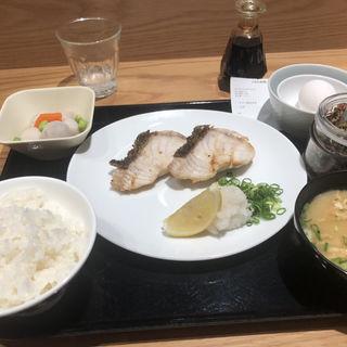 塩焼き定食(梅山鉄平食堂 )