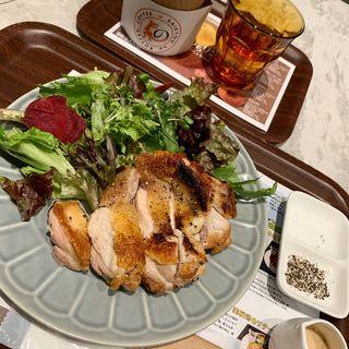 美桜鶏のチキンソテー(最強のバターコーヒー)