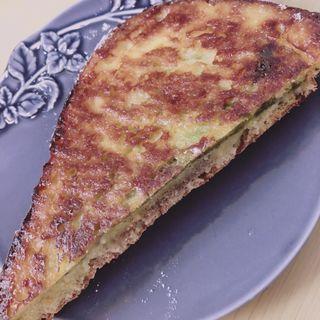 ホワイトチョコとピスタチオのパンペルデュ(Yummy Bakery(ヤミー・ベーカリー))