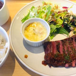 お肉ランチ ハラミステーキ(CAFE&STORE bebenoosouzai 本店 (べべのおそうざい))