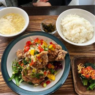 油淋鶏定食(杏仁荘 )
