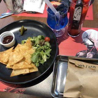 オウルの鮮血パイナップルジュース(THE GUEST cafe&diner)
