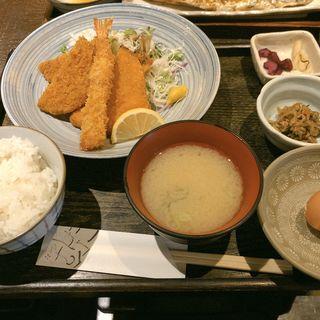 日替わり定食(エビフライ・アジフライ・メンチ)(竹とんぼ )