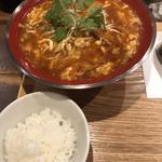 酸辣湯麺(新潟 三宝亭 東京ラボ 中目黒店 (ニイガタ サンポウテイ トウキョウラボ))