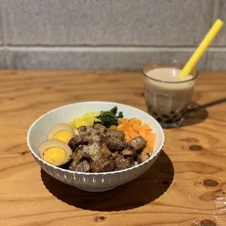 ルーロー飯(SPINNS vintage&cafe)