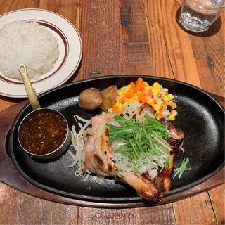 鉄板塩麹グリルチキン定食(グリルみのる )