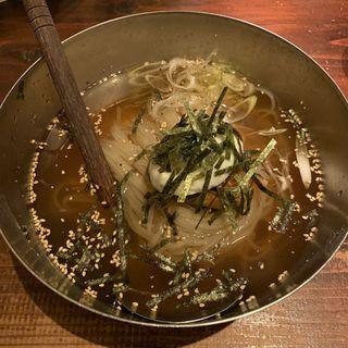 自家製スープの冷麺(炭蔵)