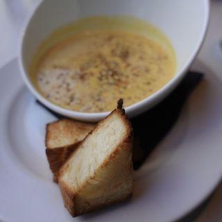パンプキンジンジャースープ+デニッシュトースト(マーサーブランチ (MERCER BRUNCH))