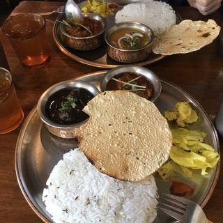 本日のカレー二種(シバカリー ワラ (shiva curry wara))