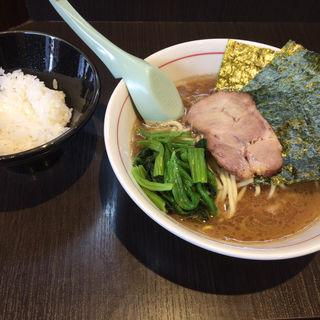 ラーメン(横浜家系ラーメン 一翔)