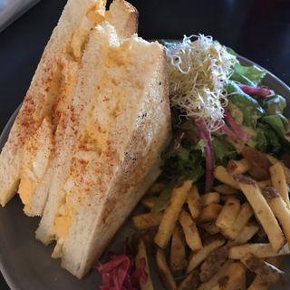 玉子サンドイッチプレート(ランチ)(コマザワ パーク カフェ (KOMAZAWA PARK CAFE))