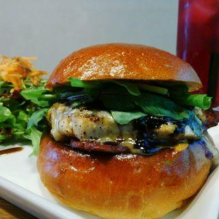 薫製ブルーベリーチキンバーガー(Craft Burger co. 堂島店)