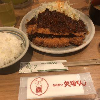 わらじとんかつ定食(矢場とん 東京駅グランルーフ店 )