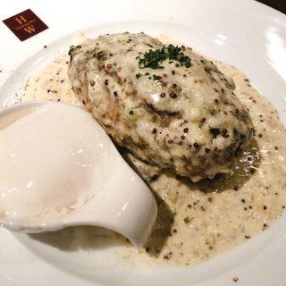 モッツァレラチーズハンバーグクリームマスタードソース(Hamburg Will 錦糸町店 (【旧店名】ミセスバーグ キンシチョウ))