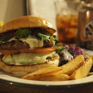 菜の花チーズバーガー 〜ドライトマトとブラックオリーブのソース〜(HELLO NEW DAY Hamburger)
