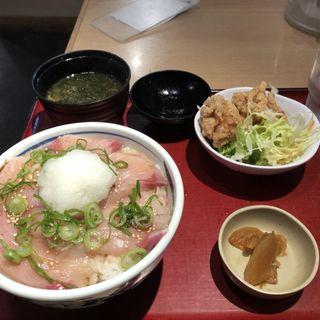 漬ブリおろし丼と鶏唐揚げ(築地食堂 源ちゃん 人形町店 )