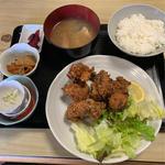 鮪から揚げ定食(寿司吉 )