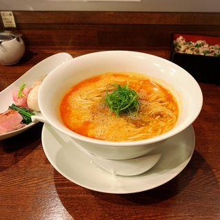 坦々麺+特製トッピング(鳴龍 (NAKIRYU))